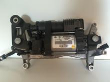 Kompressor pnevmopodveski Volkswagen Touareg 11-15 (Folyksfagen Taureg), 7P0616006E